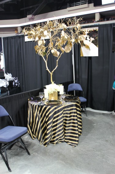 Ideas for wedding centerpieces, Gold Trees, Manzatia trees, Gilded trees, Floral Centerpieces, Black and Gold table, Allen Bridal Show, Texas Bridal Show, Best Bridal Show in Texas, Florist at bridal shows, Posh Floral Designs, Black and Gold Tables, White flowers, Unique Centerpieces
