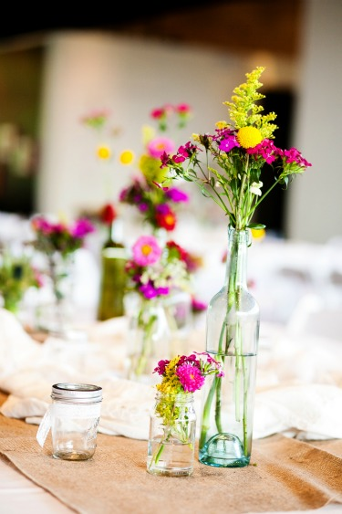 Table Decor Ideas, Party Decor Ideas, Soiree Ideas, Black and Gold Centerpieces, Weddings, Allen Bridal Show, Texas Bridal Show, Best Bridal Show in Texas, Florist at bridal shows, Posh Floral Designs, Black and Gold Tables, White flowers, Unique Centerpieces