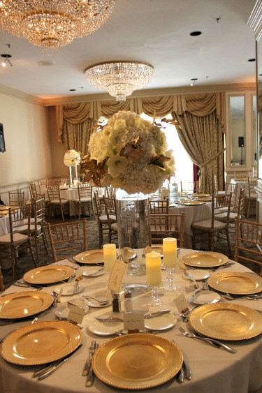 Wedding wednesday warwick melrose hotel posh floral designs