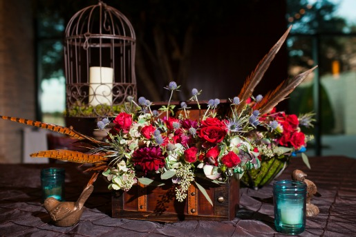 Allison Davis Photography, Posh Floral Designs, Allison Davis, Angie Strange, Vintage Centerpieces, Wedding ideas, Vintage wedding ideas, Bird centerpieces, feathers in centerpieces, blue thistles, red roses, red dahlias, antique hydrangeas, turquiose mason jars,