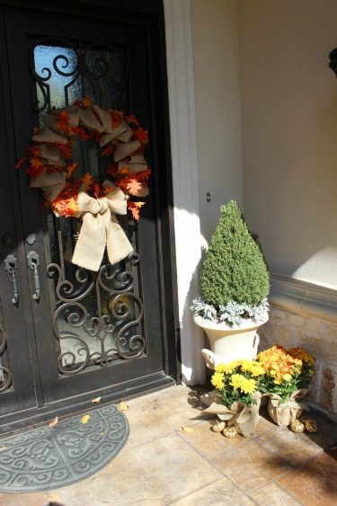 Golden Mums, Burlap, Burlap and Flowers, DylanClarie.com, Posh Floral Designs, Burlap Wreath,