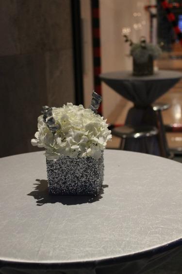 silver glitter vases,
