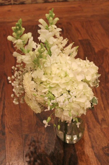 rustic bouquets, white bouquets, rustic weddings, ranch weddings, Stonebrair country club, Weddings in Dallas