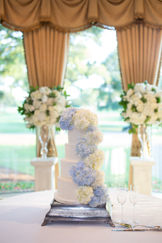 Hydrangeas on Cakes | White and Blue Hydrangeas | Posh Floral Designs