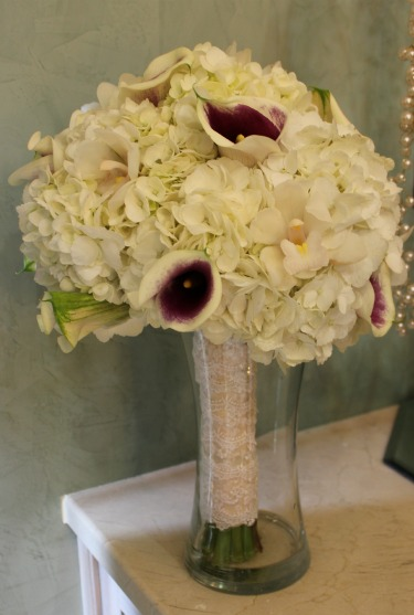 Bella Donna Chapel, Posh Floral Designs, Lace accents on bouquets, White Hydrangeas, Vermeer Calla Lilies, White Mini Orchids