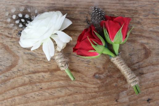 Ranunculus Boutineer, Rose Boutineer, Ideas for grooms boutineers, ideas for groomsmens boutineers, country boutineers, western boutineers, feathers in boutineers, posh floral designs