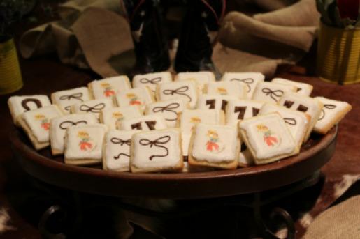Layered Bake Shop, Western Cookies, Cowboy Cookies, Sugar Cook Ideas, Posh Floral Designs