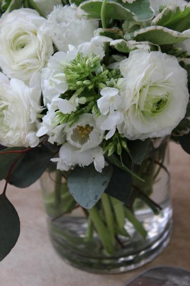 Garden Flower Ideas, Vintage Flowers, Centerpieces Ideas, White flowers, White Fringe Tulips, White Tulips, Greenery in flowers, Posh Floral Designs, Geranium Leaves
