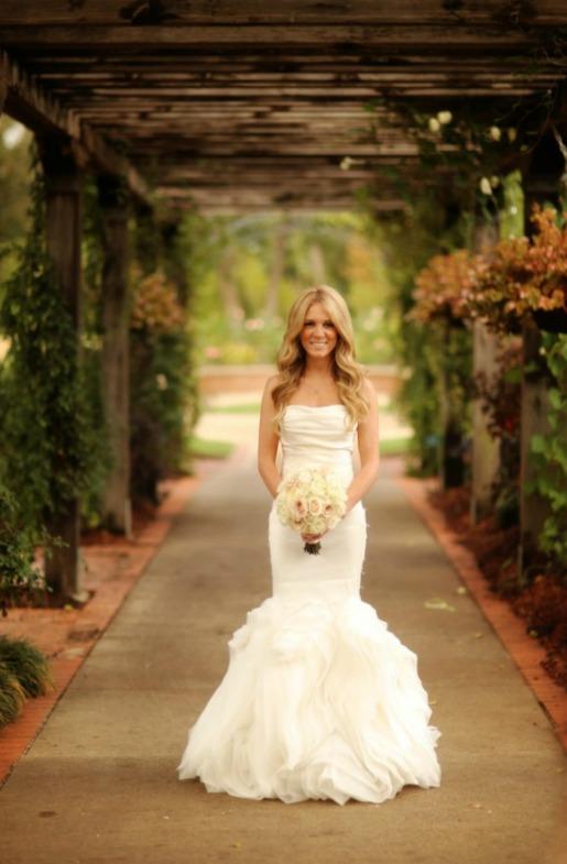 Dallas Wedding Florist, Blush Wedding, Cream Bouquet, Quicksand Roses, Baby's Breath Halo, Dale Banfield