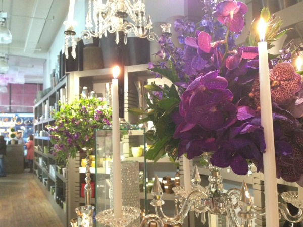 Chapel Designers | NYC | Posh Floral Designs | NYC Flower Market | White Vases