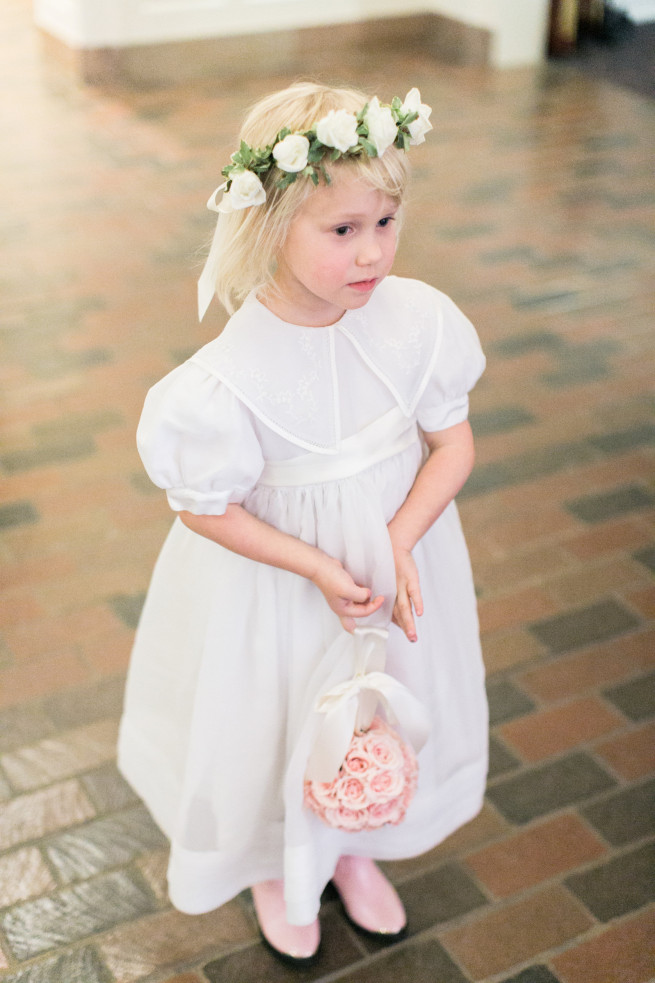 Southern Wedding | Flower Girls | Pomanders | Flower Girl Halo | Guestbook Flowers